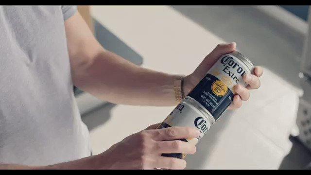 メキシコのコロナビールの缶、ビニール袋削減のために10個まで連結して持って帰れるようになって反響がすごい
