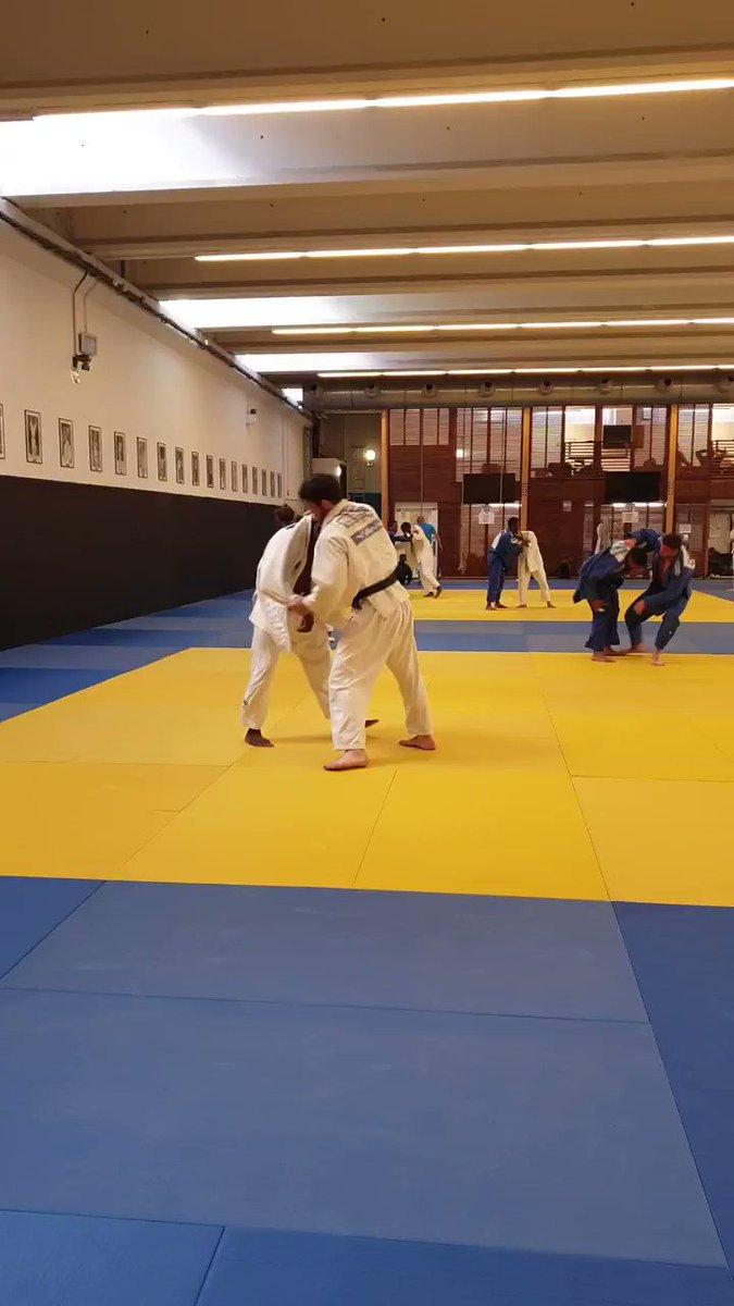 🥋 Dernières répétitions pour nos judokas 🇫🇷 avant de s'envoler vers @Minsk2019BY et le début des #EuropeanGames du 21 au 30 juin ! Ramenez nous pleins de belles médailles ! 🥇🥈🥉  @ffjudo #minsk2019 #judo #TeamFrance #FRA @CyrilleMaret https://t.co/LDy9ziZnhm