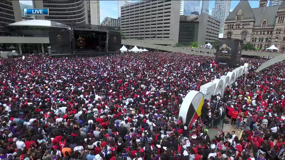 Premier Doug Ford booed by crowd gathered for @Raptors parade and fan rally at Nathan Phillips Square. Mayor John Tory and Prime Minister Justin Trudeau enjoy warmer reception from #Toronto crowd http://ow.ly/khDM30oXhf8  #WeTheNorth #ONpoli #Canpoli #TOpoli