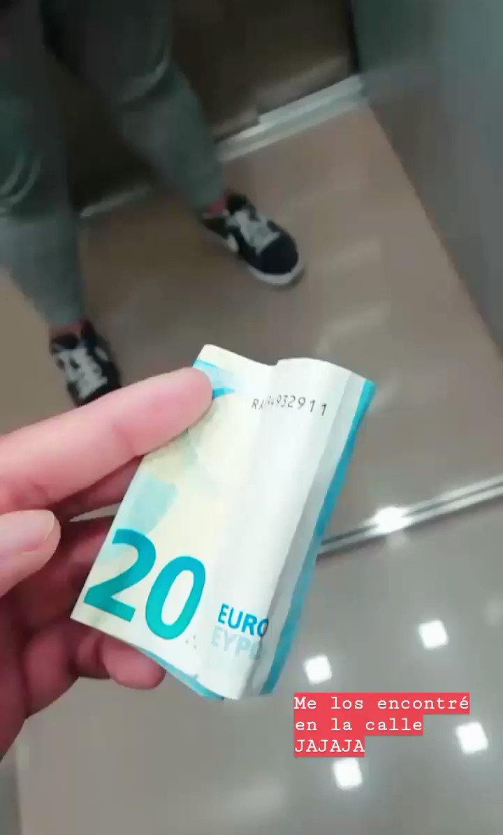 retwittea estos 20€ de la suerte o te pasará algo malo UAJAUAUAUAA