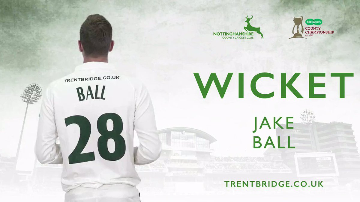 WICKET | Jake Ball has a well deserved wicket as Crawley edges him to Duckett in the slips to depart for 37. Kent 94-2, lead by 136 runs. #KentvNotts Live scorecard 👉http://socsi.in/g_oYLhf