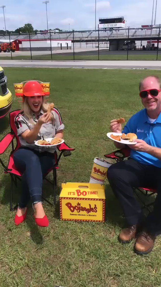 You can cheers with just about anything, am I right or am I right @Bojangles1977   Ps, it's lunchtime 😉  #BojanglesSo500
