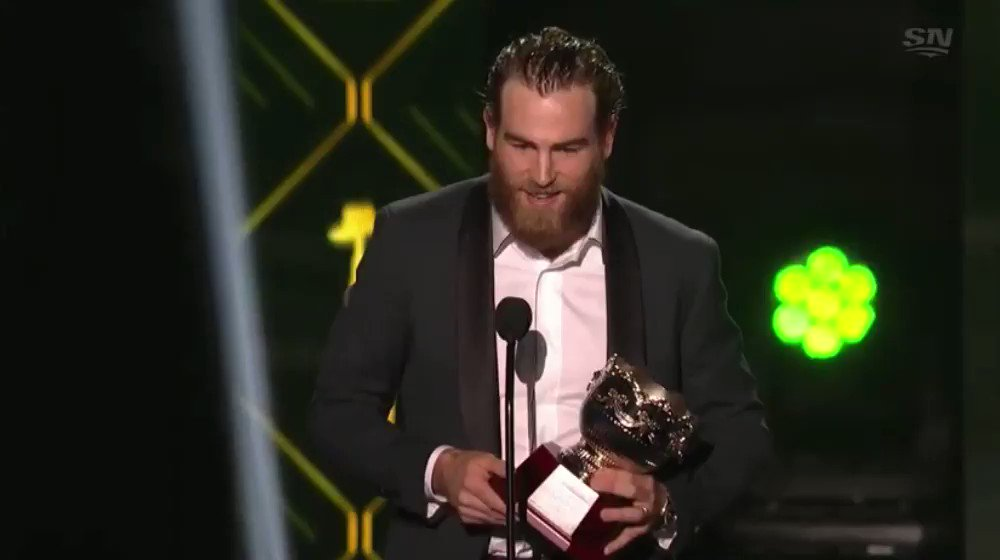 Ryan OReilly goes down the line in his Selke acceptance speech thanking the St. Louis Blues for bringing him to the organization. Wait until he shouts out Jordan Binnington, who reacts appropriately.