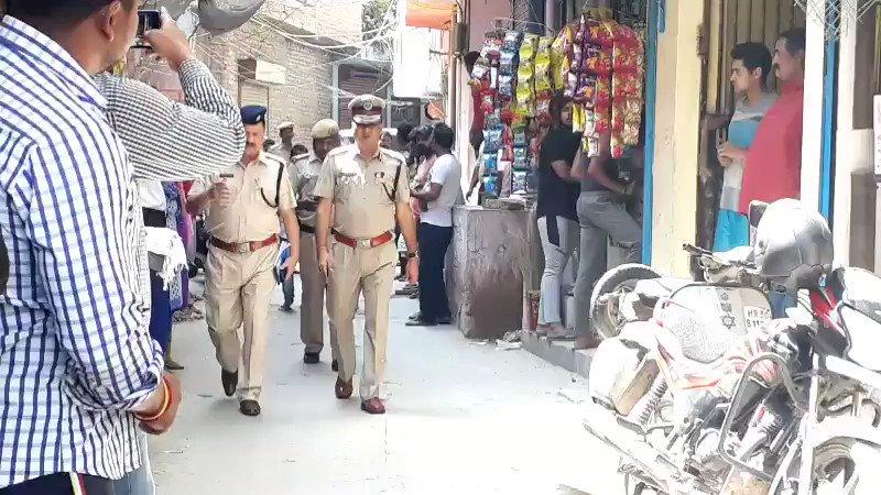 मौके पर पहुंचे  ज्वाइंट सीपी देवेश श्रीवास्तव @DelhiPolice  @CPDelhi