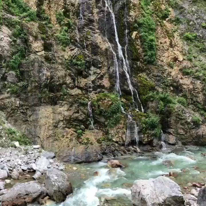 Enjoying the natural vistas of the #Ragova mountain region in #Kosovo! Hunting for plants at high elevations definitely has some perks! #waterfall #explore #botany #balkans #ethnobotany #research #planthunter