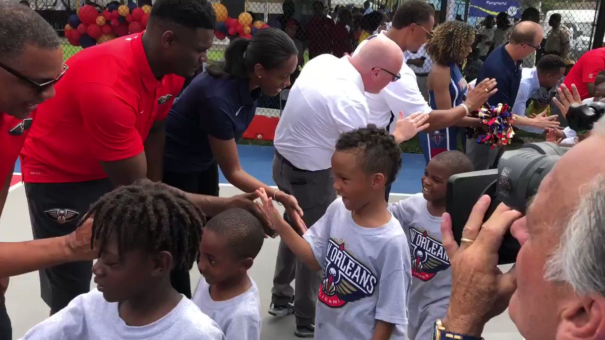 The #Pelicans and the Louisiana Legislative Charity Fund are dedicating a refurbished basketball court at Goretti Playground! @dg_riff @AlvinGentry @SwinCash @Zionwilliamson #LetsDance