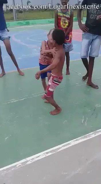 子どものケンカをドラゴンボール風にした結果