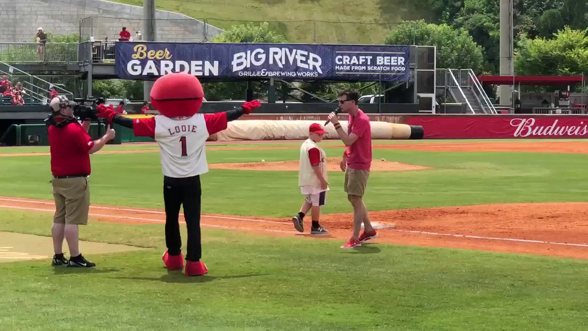 Good times @ChattLookouts today. Louie Sorry about the push-off rounding 3rd Base #Lookouts