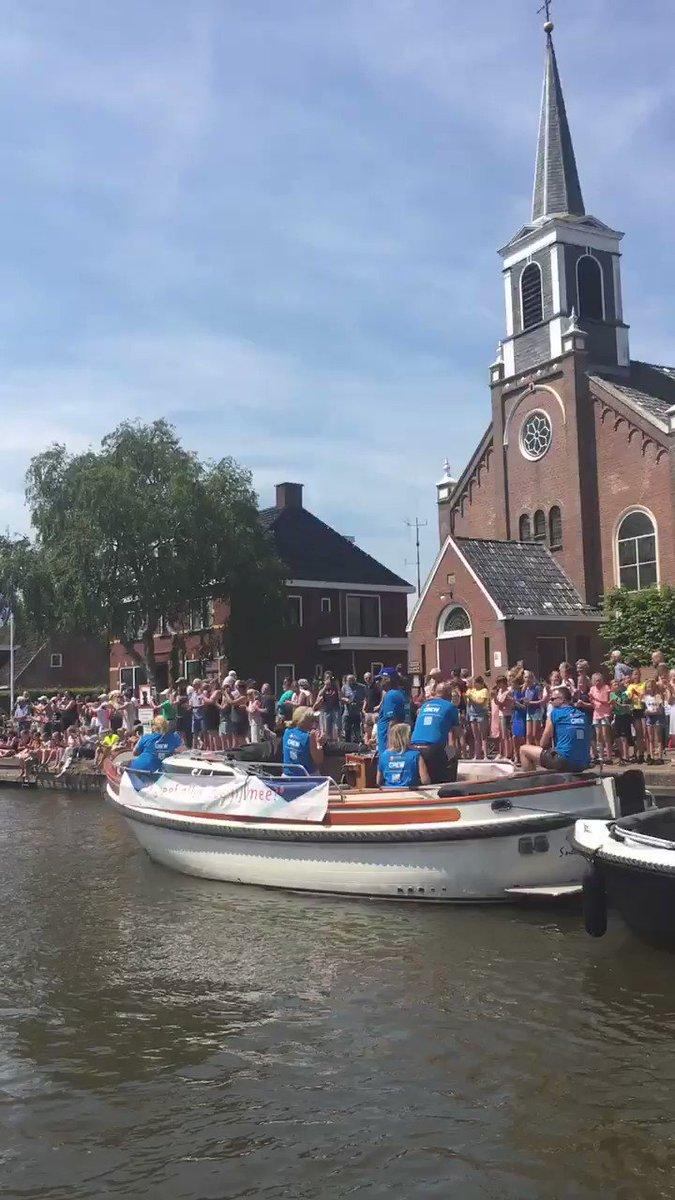 Maarten van der Weijden begonnen aan laatste 15 kilometer Elfstedenzwemtocht