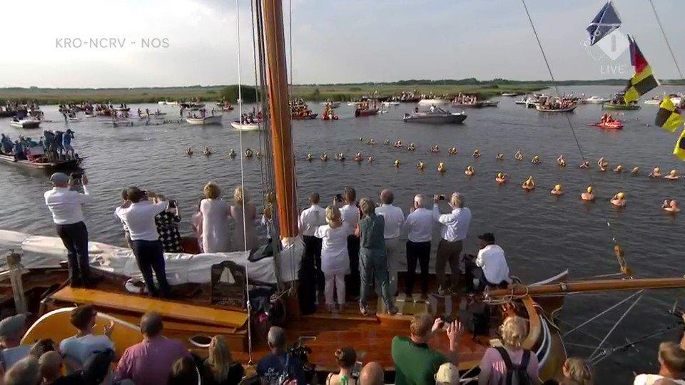 Terugkijken: Finish elfstedenzwemtocht Maarten van der Weijden