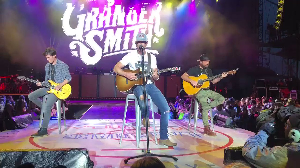 Granger Smith returns to the stage with a tattoo in honor of late son, River