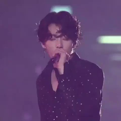 his high notes in 'dimple' really made me speechless. i seriously have no words❤😍  #JUNGKOOK #전정국 #정국 @BTS_twt