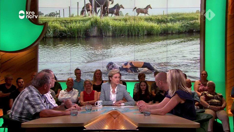 De Elfstedenzwemtocht van Maarten van der Weijden heeft meer dan 5 miljoen euro opgeleverd