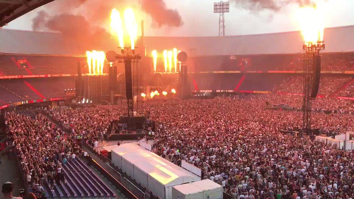 Rammstein zet stadion De Kuip in vuur en vlam met spetterend concert