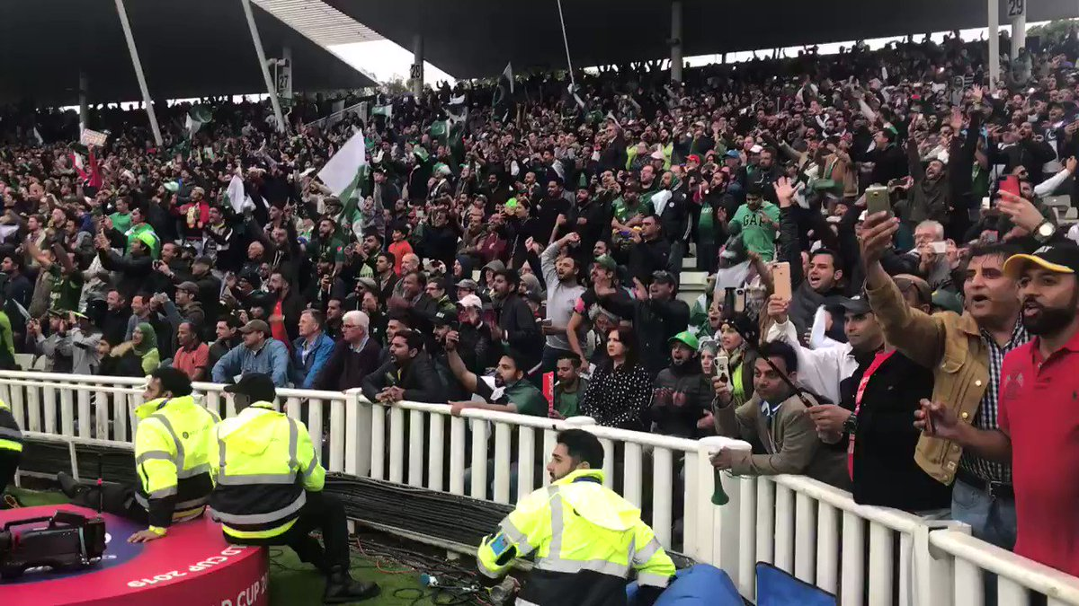 This is the best Pakistan crowd I have seen in all my years of covering cricket. Here is the crowd post the @babarazam258 100.. #thankyoubirmingham!
