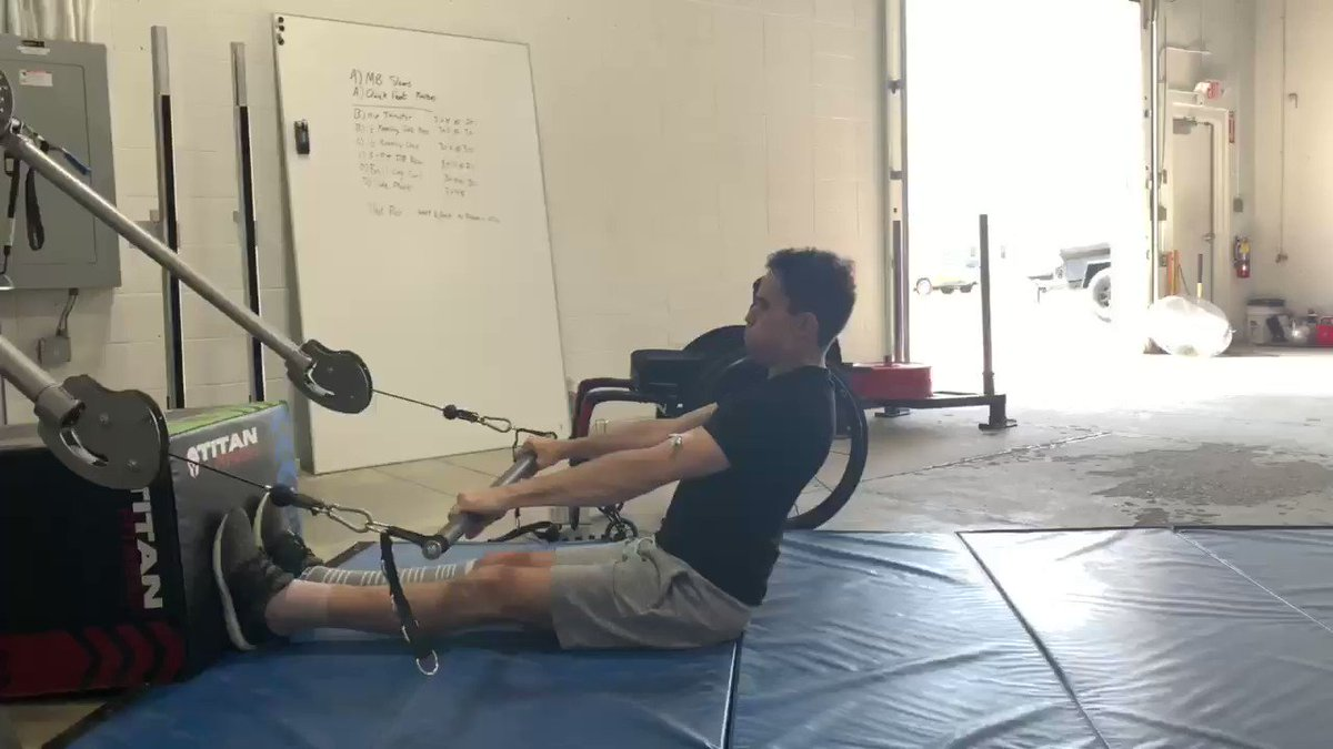 Getting creative with @pitfittraining today. First day back at it after the surgery! Trying to work on some lower back strength by effectively doing a simulated dead lift. I am limited to light training until I am finished my IV!
