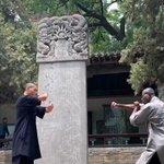 少林寺の僧vsアフリカのカンフー愛好家。拳法バトル【動画】