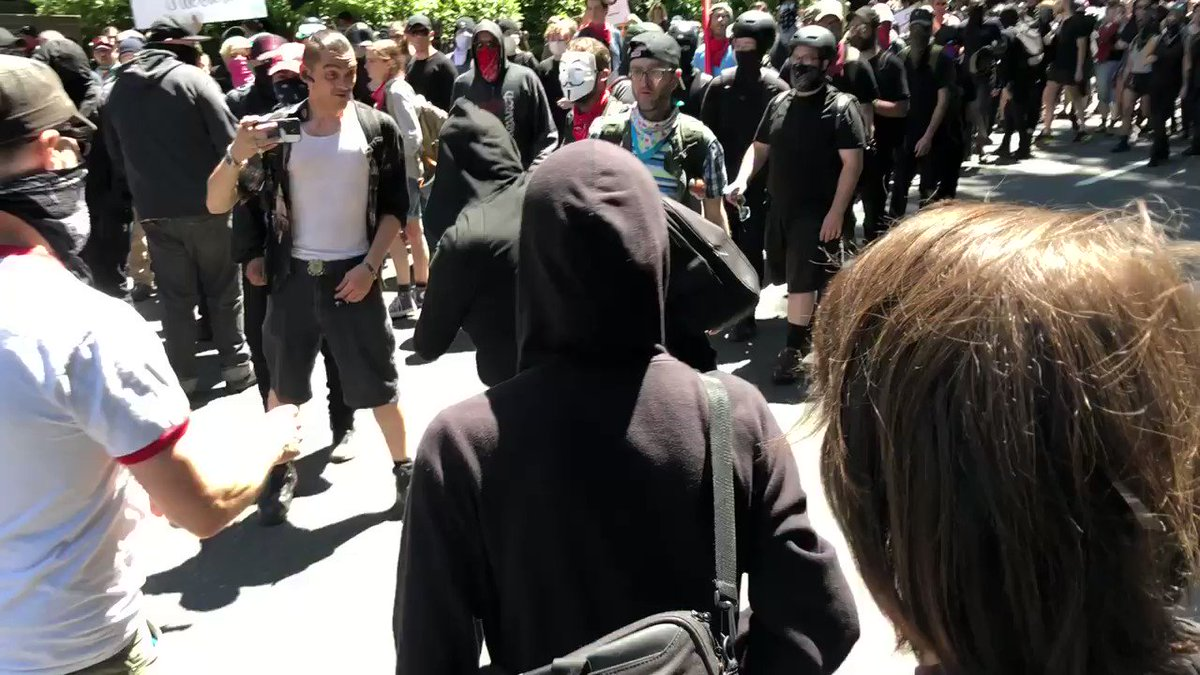 Why have none of the Democrats running for President condemned the brutal Antifa attacks over the weekend?  Do they support these domestic terrorists and their assaults on the free press?  Hey, @KamalaHarris—what do you have to say?  RT so she can't ignore!