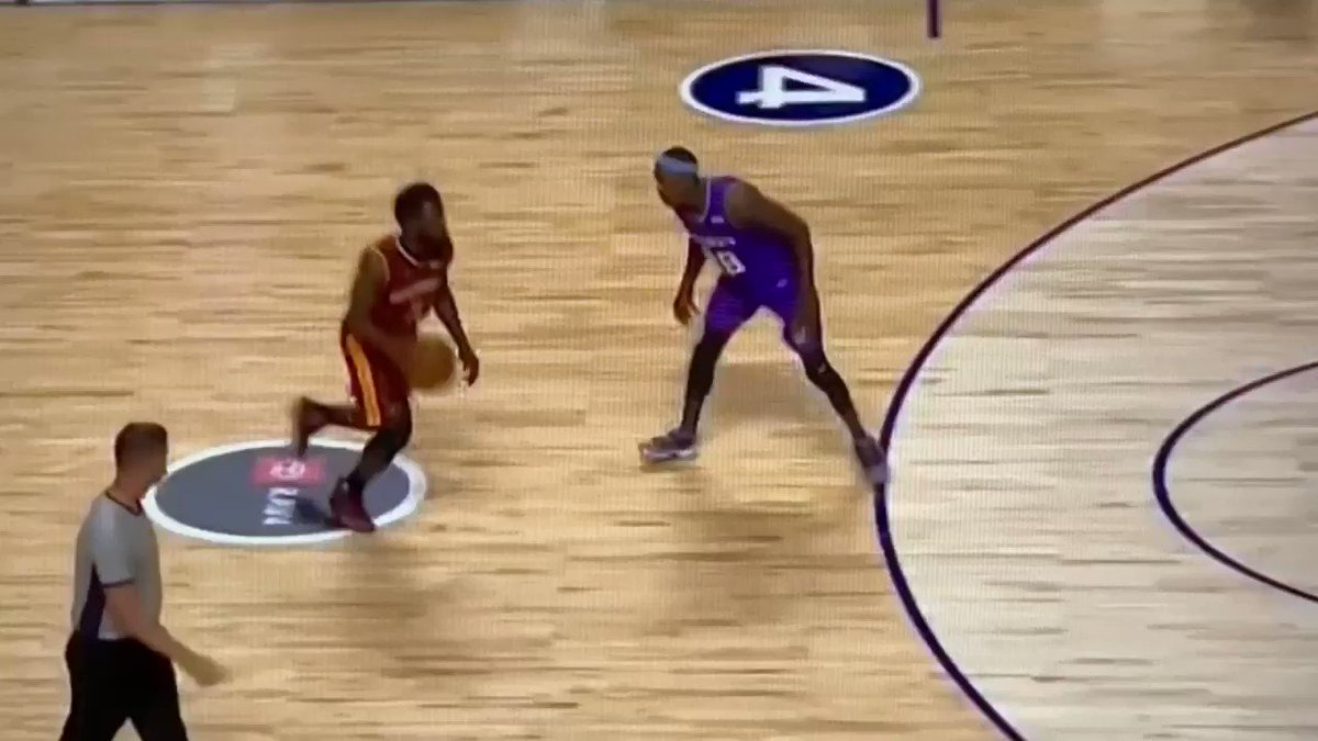 【影片】這招太秀了!前NBA球員Will Bynum「假Shammgod」過人晃暈對手