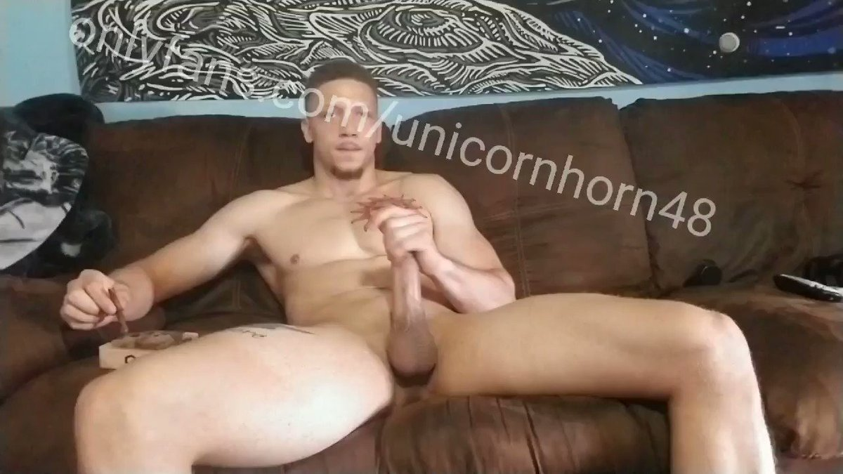😈 who wants daddys fat cock to fuck away the kinda blues? onlyfans.com/unicornhorn48 manyvids.com/Profile/100254… #bigdick #muscle #hung #onlyfans #ManyVids #MondayMotivation #daddy
