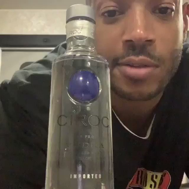 Marlon Wayans takes on the #BottleCapChallenge...😳😩😂 @MarlonWayans