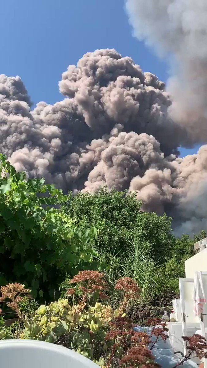 Deadly Explosions Just Rocked Italy's Stromboli Volcano - Here's What Happened