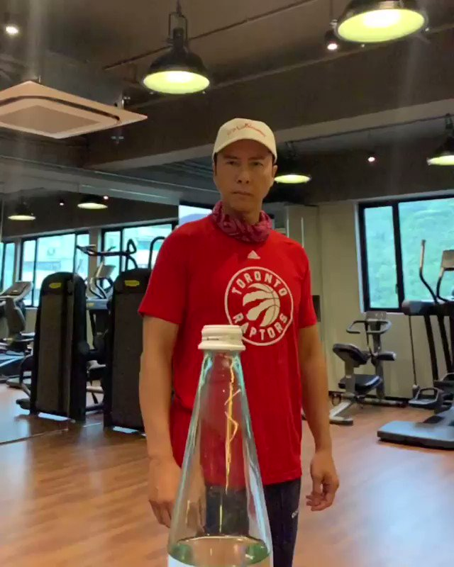The precision. The finesse. The shirt.  @DonnieYenCT | #WeTheNorth