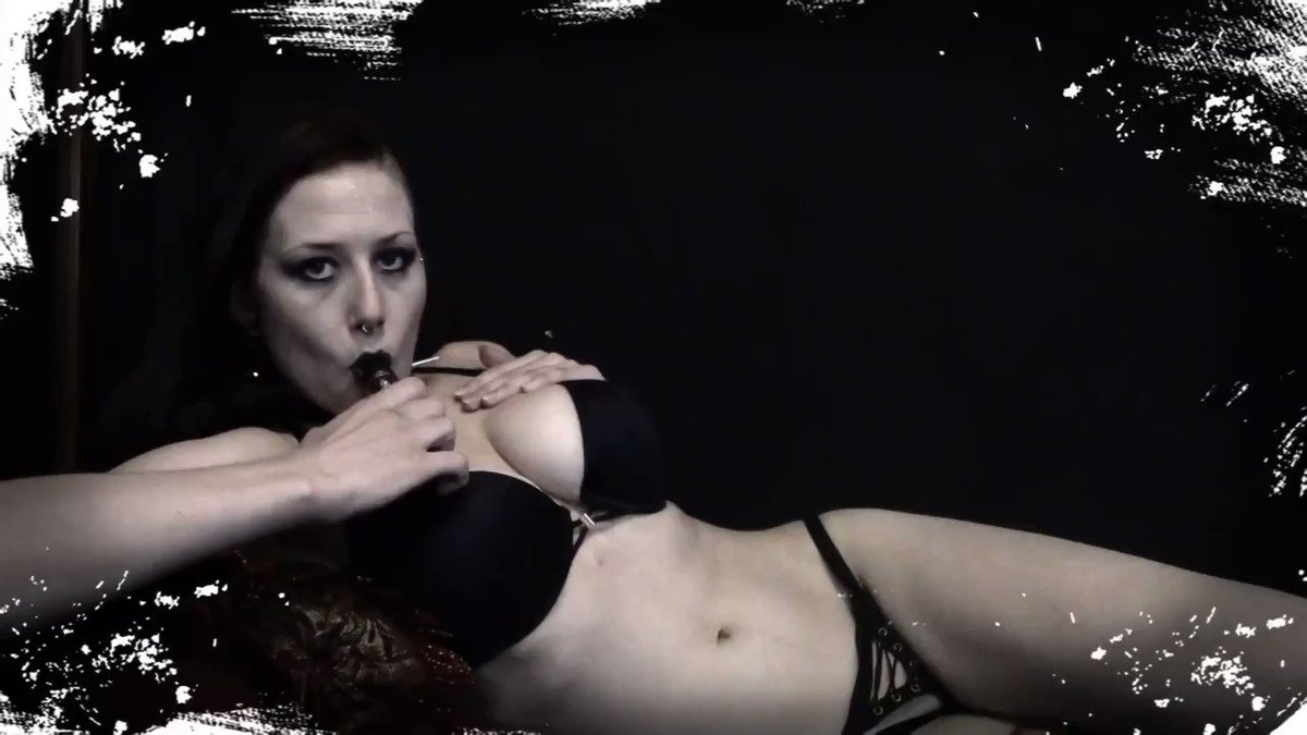 Model - Amber Sparkx dominatrix