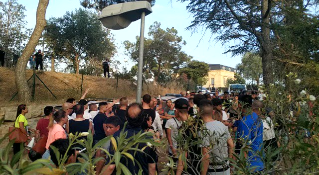 🔴La nostra condemna més absoluta a l'atac racista al #Masnou i la nostra repulsa a la passivitat policial davant l'atac.   Cal gent donant suport a l'antiracisme i l'antifeixisme al #Masnou