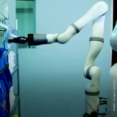 Hospital services by #robot - by @Seeker |  #AI #ArtificialIntelligence #MachineLearning #ML #InternetofThings #Robotics #SmartTech #Bots #Automation #Innovation #Videos #RT  Cc: @MikeQuindazzi @evankirstel @SpirosMargaris #ArtificialIntelligence