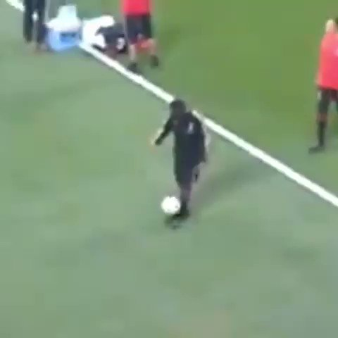 Could watch this video of Ronaldinho all day, every day. 😍