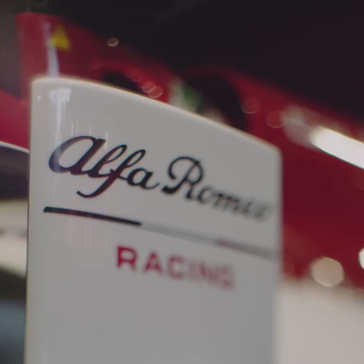 Mechanics meets emotion. Alfa Romeo F1 in all its glory with @Anto_Giovinazzi.  #GoodwoodFOS #AlfaRomeo #LaMeccanicaDelleEmozioni
