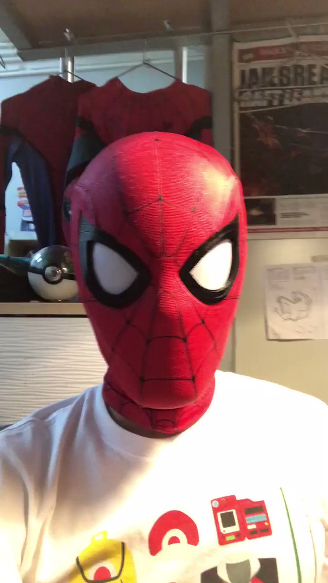 This Spider-Man Cosplayer's Mechanical Eyes