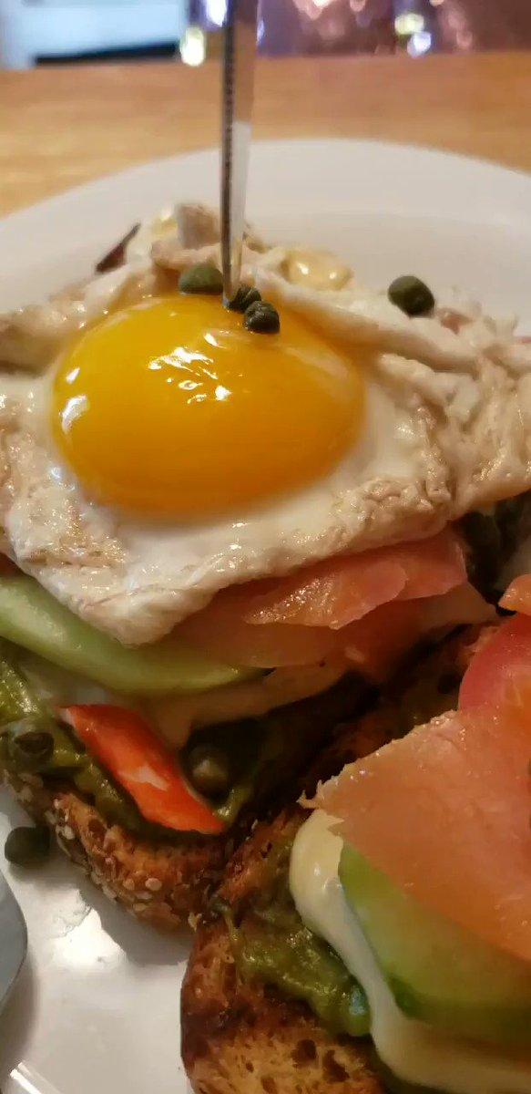 #yolkporn #eggcellent #brunch #foodbeast #foods