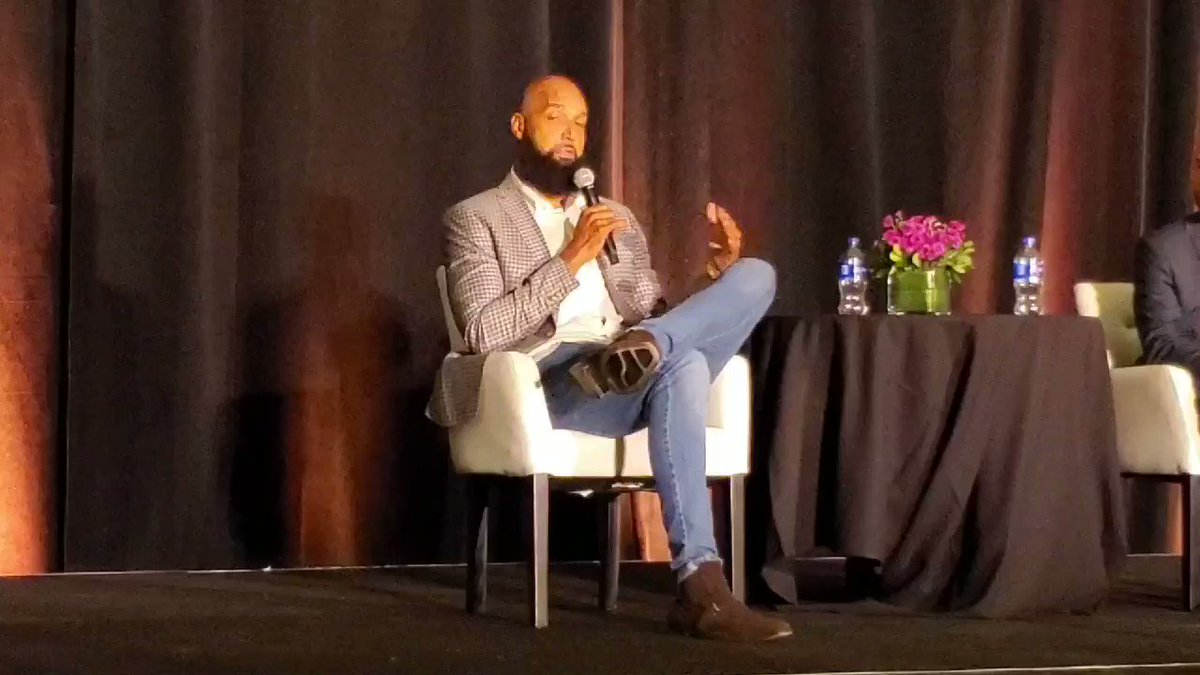From the @NBAalumni #LegendsConference yesterday a snippet from @DrewGooden as he opens up about his business acumen and ownership in @wingstop. Drew is shrewd and passed on his knowledge to a crowd of retired players.