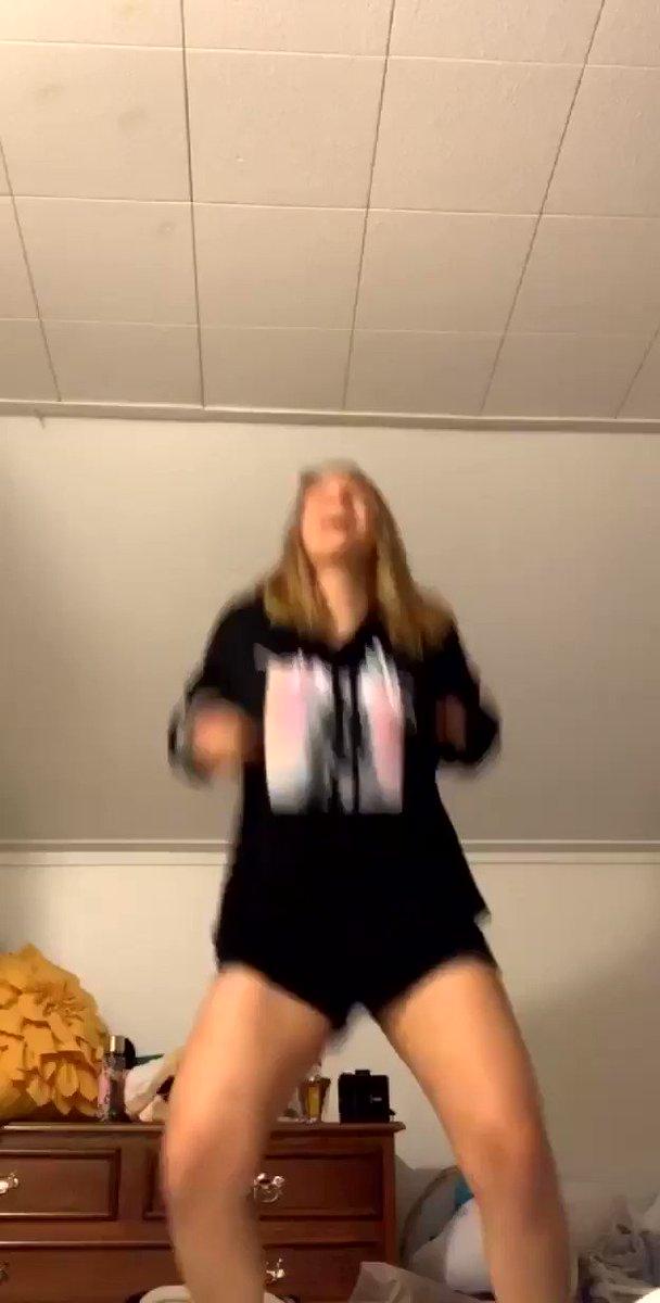 @enchntedbeth's photo on Becky G