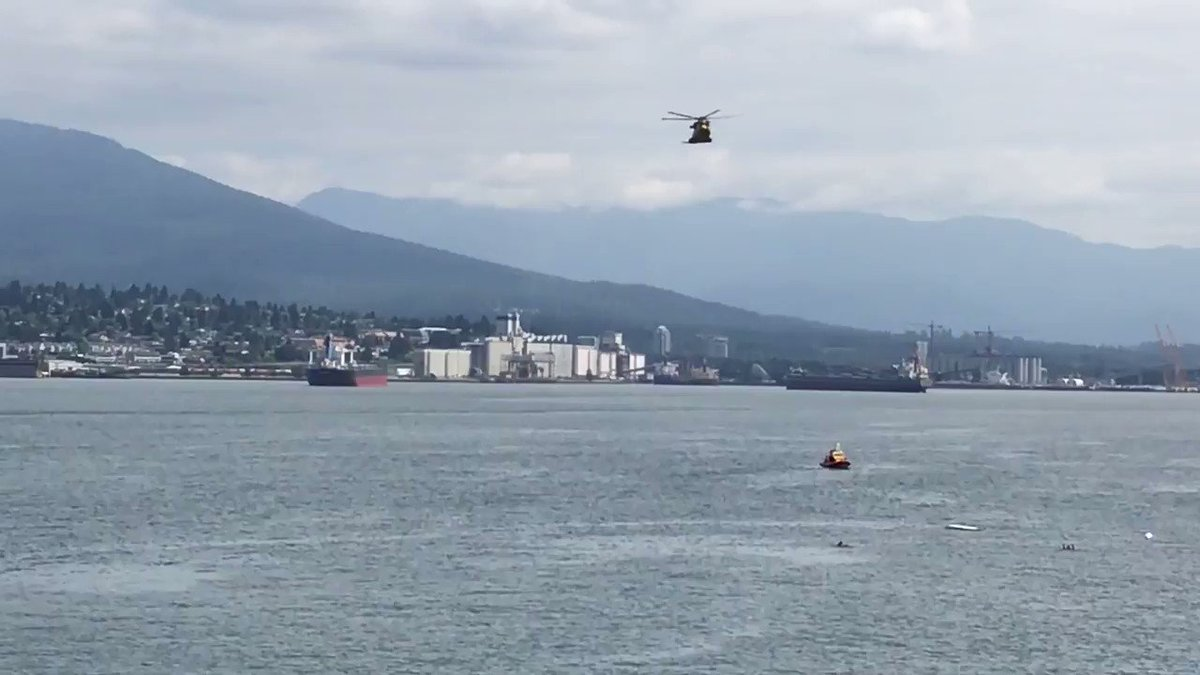 #TBT On 15 June the #CH149 #Cormorant of the @RCAF_ARC 19 Wing Comox, 442 Transport and Rescue Squadron performed a #SAR demo in the #Vancouver Harbour during @wmrc2019. Watch it in action! #LeonardoinCanada @CormorantTeam @RCM_SAR
