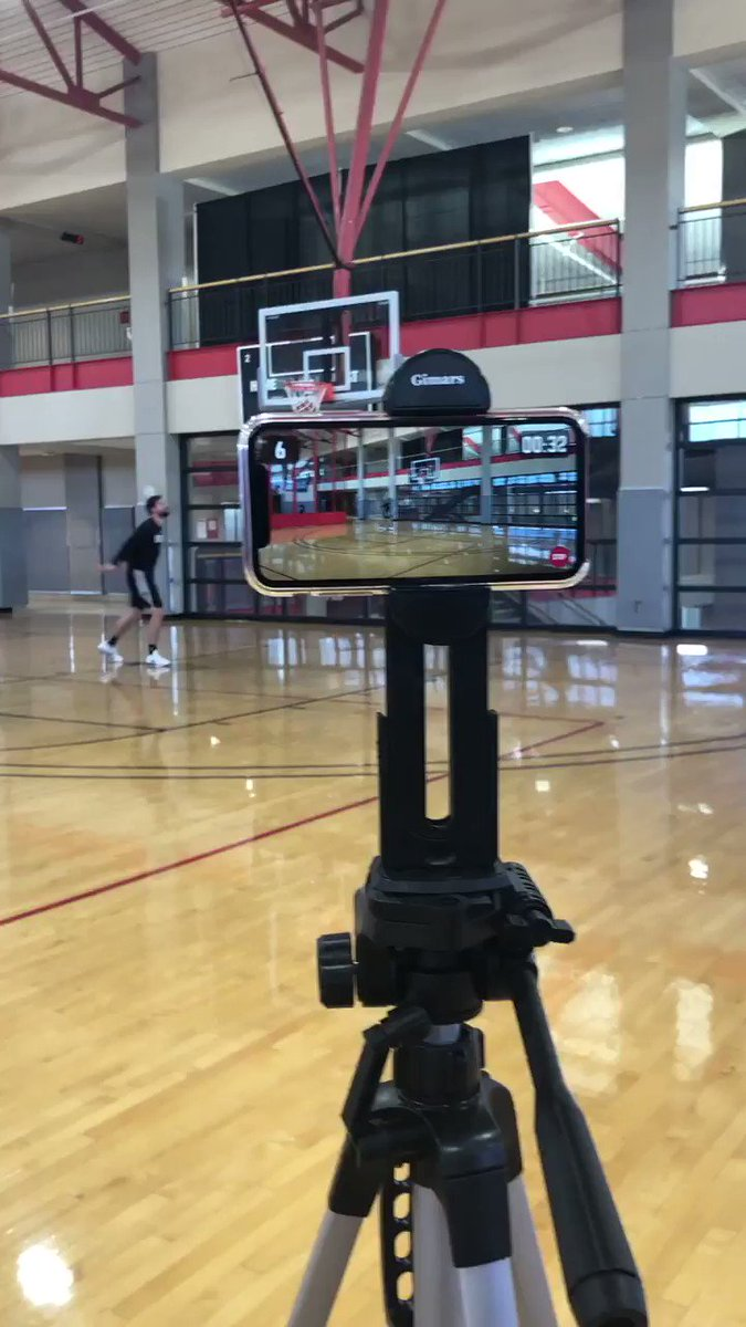 🔥 Joe Harris of the @BrooklynNets takes on the NBA Summer Shootout Challenge! #HomeCourtNBA  @HomeCourtai app: https://apps.apple.com/us/app/homecourt-the-basketball-app/id1258520424 …