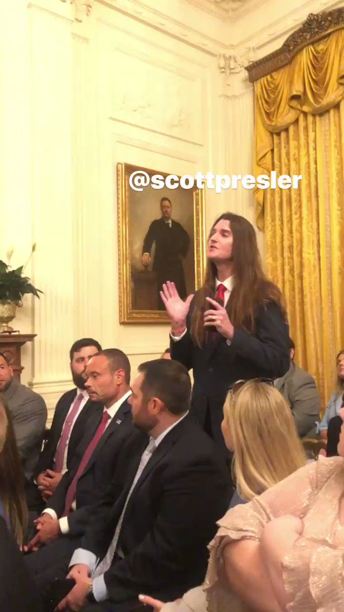 💥WATCH💥Scott Pressler got to ask President Trump a question about another social media platform ...  💥And Parler wasn't one of them🤣  💥Patriots need to be on Twitter to support our President everyday and Get TRUMP Re-Elected in 2020!  💥RETWEET THIS