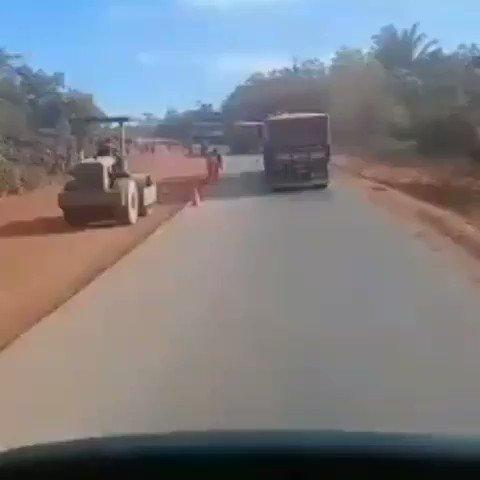 - Lembram-se dos caminhões atolados na BR 163? Nossos parabéns ao Exército e ao Ministro (Capitão/IME) Tarcísio de Freitas.