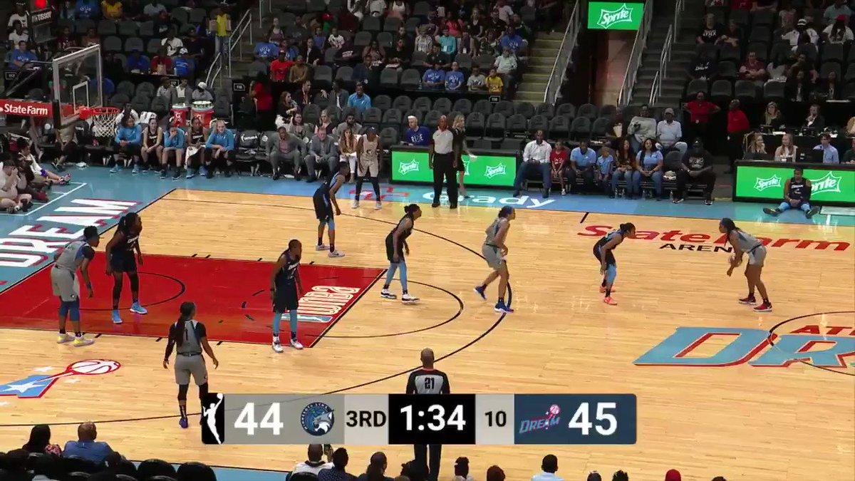 Defense creates offense 👊 @Da20one + @BrittBundlez = buckets  #DreamOn