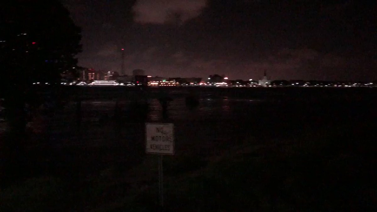 A quiet, windy morning at Algiers Point. Some GREAT news this morning: The @NWSNewOrleans said the Mississippi River is now projected to crest at 17.1 feet. That's almost two feet below the previously projected 19 feet. Flood stage is 17 feet. @wdsu