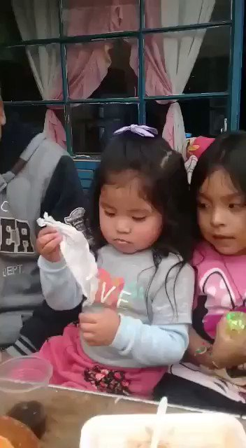 Idk who's kid this is. But what a talented magician