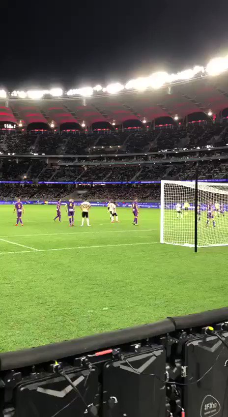 🎯 @MarcusRashford puts #MUFC 1-0 up in Perth!   Watch live coverage on #MUTV: http://manutd.co/3Pt   #MUTOUR 🇦🇺