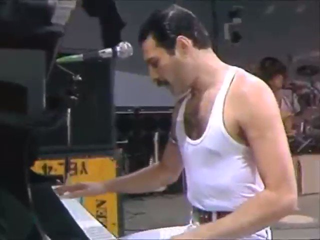 on this day, 34 years ago, queen gifted us with this legendary performance. happy live aid day!