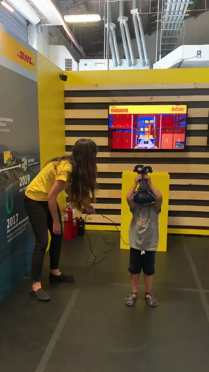 Love innovation? Then visit our stand in the Allianz E-Village and experience what it means to handle logistics processes at speed with our VR #BoxStackerPro for a chance to win great prizes! #DHLMotorsports #NYCEPrix @FIAFormulaE