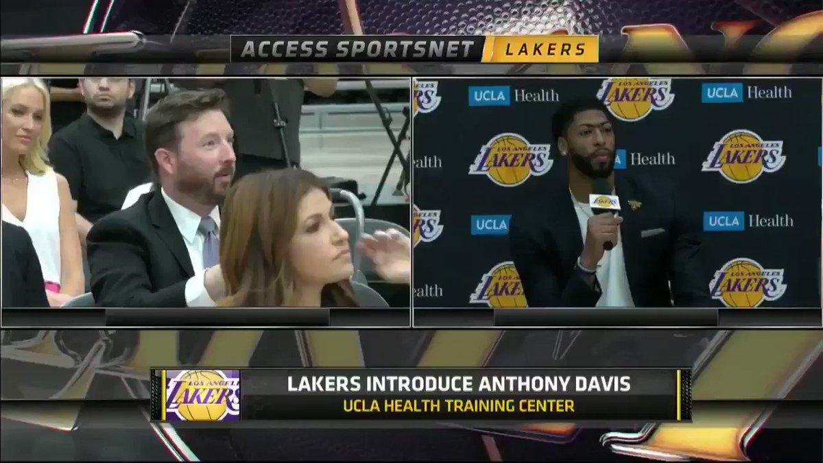 Anthony Davis thinking championships 🤭🏆