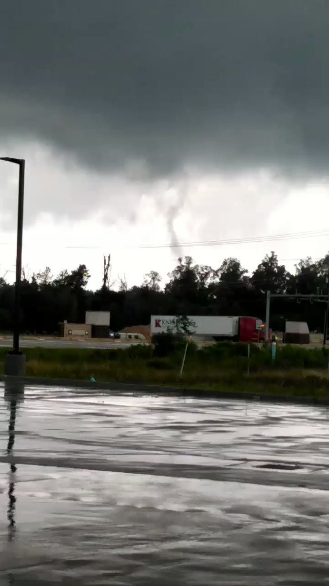 Image for the Tweet beginning: Video captures rotation and funnel