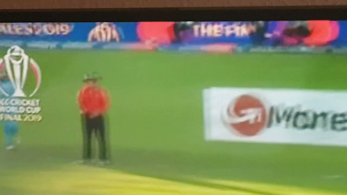 Where's she gone????#CricketWorldCup19 #ENGvsNZ #ItsComingHome
