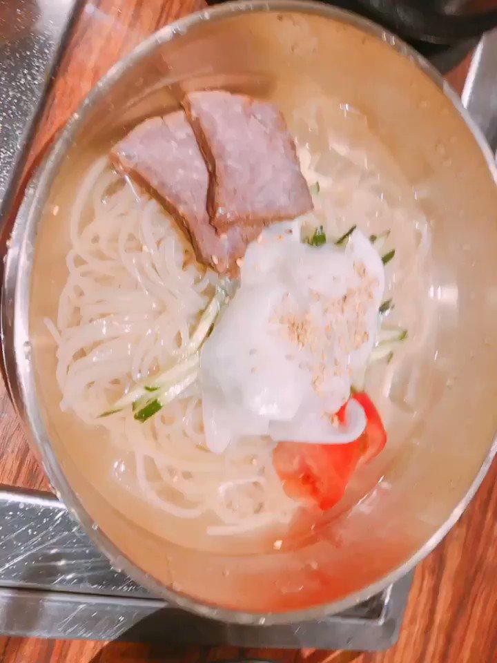 この前めぐちぃかのんちゃんでご飯食べました😎8/3・4 富士急ハイランドでのライブ「Flamme」/「Wasser」よろしくお願いします!#Roselia